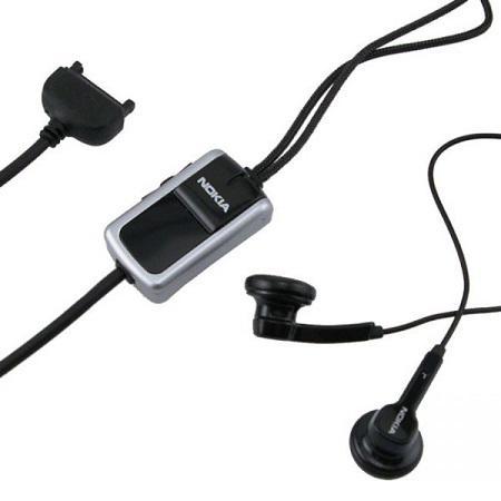 Nokia Stereo Headset HS-23 Zwart/Zilver Originele Nokia Stereo Headset.Kleine en lichte stereo hoofdtelefoon voor handsfree functionaliteit en om te luisteren naar de FM-radio of musicplayer. De headset is tevens voorzien van een volumeregelaar en heeft ondersteuning voor push-to-talk.Technische data:- Hands-free met volumeregelaar- Push-to-talk- POP-Port jack