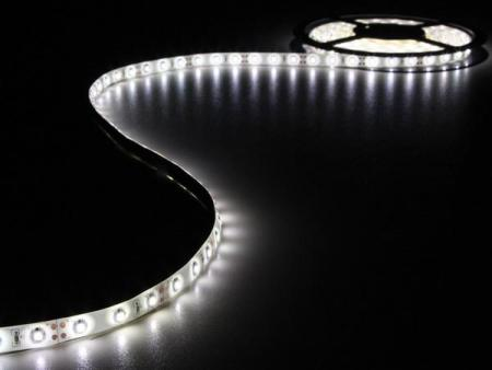 FLEXIBELE LED STRIP - KOUD WIT - 300 LEDs - 5m - 12V FLEXIBELE LED STRIP - KOUD WIT - 300 LEDs - 5m - 12V