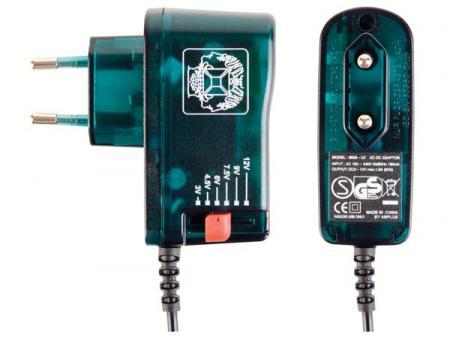 Universele AC DC Adapter Uitgaande stroom: 1500mA-Max bij 12V