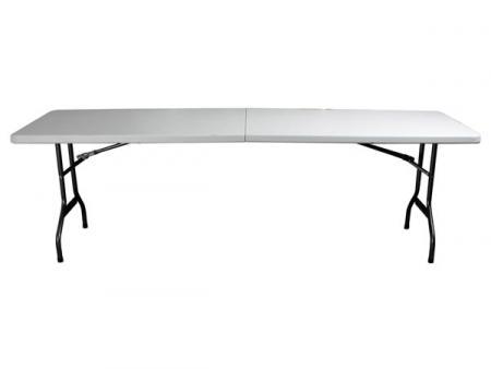 Inklapbare tafel aan muur